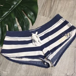 Abercrombie & Fitch Shorts - Abercrombie striped shorts